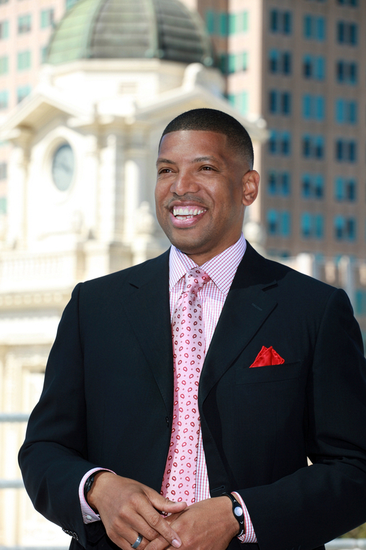 Sacramento-Mayor-Kevin-Johnson-at-City-Hall