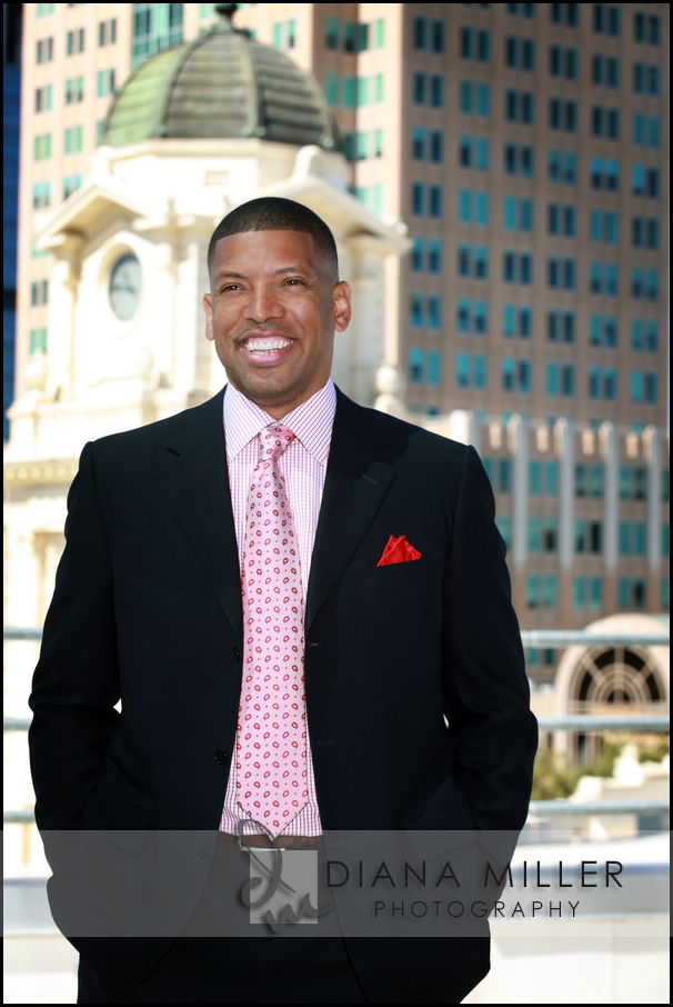 sacramento mayor kevin johnson at city hall
